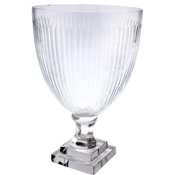 Pokal aus Glas, klar